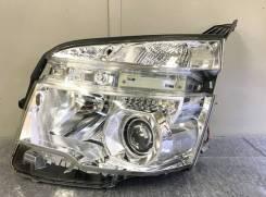 Фара на Тойота VOXY с 2010г-2014г