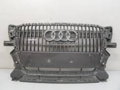 Решетка радиатора. Audi Q5, 8RB Двигатели: CAGA, CAHA, CALB, CCWA, CDNB, CDNC, CDZA, CGLB, CHJA, CJCA, CNBC, CNCB, CPNB