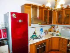 3-комнатная, переулок Дзержинского 22. Центральный, частное лицо, 72кв.м.