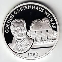 """Германия - ГДР 1982 медаль """"Домик Гёте в Веймаре"""" Серебро"""
