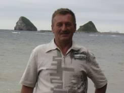 Менеджер АХО. Средне-специальное образование, опыт работы 33 года