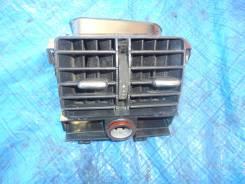 Решетка вентиляционная. Audi A6, C5 Двигатель BDV