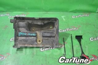 Крепление аккумулятора. Toyota Aristo, JZS161 Двигатель 2JZGTE