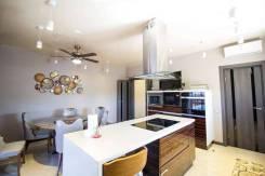 Продам уникальный 3-х этажный котедж. Амурская 44, р-н Индустриальный, площадь дома 260кв.м., централизованный водопровод, электричество 27 кВт, ото...