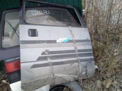 Дверь Nissan Vanette
