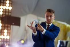 Фокусник-Иллюзионист Александр Романов новый год, корпоратив