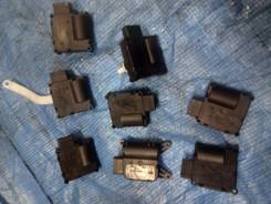 Мотор заслонки печки. Audi: A6 allroad quattro, RS6, S6, R8, A6 ASB, AUK, BNG, BPP, BSG, BUH, BAT, BBJ, BDW, BDX, BKH, BLB, BMK, BNA, BNK, BPJ, BRE, B...