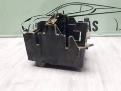 Короб аккумулятора ford fusion, левый передний
