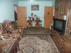 3-комнатная, улица Адмирала Крюйса 23. центральный, частное лицо, 68,0кв.м.