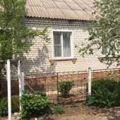 Кирпичный дом во Фролово.70 кв. м. Улица Ерёмина 8, р-н г. Фролово, площадь дома 70кв.м., водопровод, скважина, отопление централизованное, от частн...