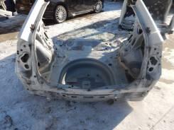 Задняя часть автомобиля на Toyota Prius 30 61601-47090