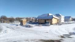 Продам участок 10 соток угловой есть строения гараж 25 м2 + 2 жилых ко. 1 000кв.м., собственность, электричество, вода, от частного лица (собственни...