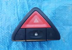 Кнопка включения аварийной сигнализации. Renault Koleos, HY0 Двигатели: 2TR, M9R, MR20, QR25
