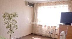 2-комнатная, улица Ладыгина 15. 64, 71 микрорайоны, агентство, 52,0кв.м. Комната