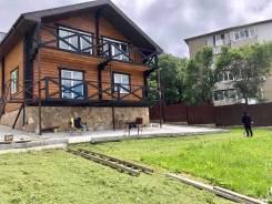 Предлагаем к продаже новый, добротный, двух этажный дом. Улица Калининградская 33, р-н БАМ, площадь дома 180,0кв.м., скважина, электричество 15 кВт...