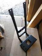 Кронштейн подножки правый Daewoo 3714100730, 37141-00730
