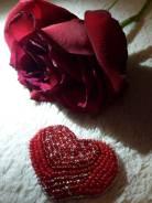 Брошь из бисера. Валентинка. Сердце.