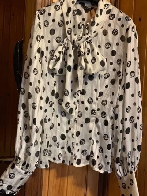caac1549f72bfcc Продам три женские красивые блузы - Основная одежда во Владивостоке