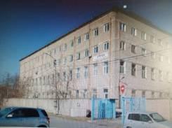 Продаются 2-4 этажи в 4-х этажном здании в г. Находке Приморского края. Проспект Находкинский 4а, р-н центр, 2 720,5кв.м. Дом снаружи