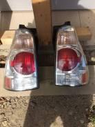 Задние фонари Toyota 4Runner левый/правый