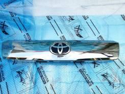 Молдинг крышки багажника Toyota Alphard 7680158170