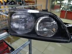 Фара Toyota Ipsum 96-98, правая