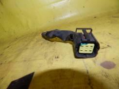 Штекер проводки на фару TOYOTA CALDINA ST210