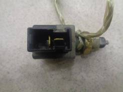 Датчик включения стоп-сигнала Hyundai Elantra XD 2000-2010 Номер двигателя G4ED