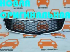 Решётка центральная переднего бампера Chevrolet Spark 2010-2015 [95961829]