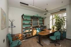 Продается офисное помещение 244,2 м2 в историческом особняке в центре. Улица Спиридоновка 10, р-н Пресненский, 244,0кв.м.