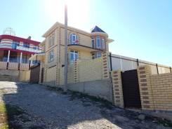 Продается дом в Супсехе 250 кв. м. на 5 сотках. Вид на город и море. Улица Фрунзе 44, р-н Супсех, площадь дома 250,0кв.м., централизованный водопров...