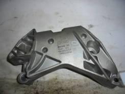 Кронштейн крепления двигателя правый VAG Audi A3 8P
