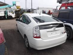 Крыло левое заднее цвет 070 Toyota Prius NHW20.