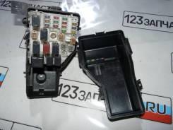 Блок предохранителей подкапотный Toyota Rav4 ACA21