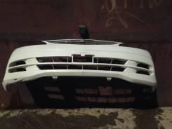 Продам бампер передний Toyota Estima 2000