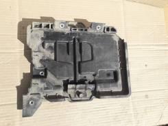Крепление аккумулятора. Kia Rio, FB Hyundai Solaris Двигатели: G4FG, G4LC