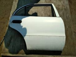 Дверь правая задняя Toyota Corolla e110 ZZE110L Американка белая USA