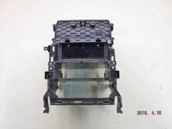 Консоль магнитофона AUDI Q7 [4L1858005A]