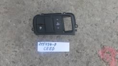 Блок кнопок (освещения панели приборов и обогрева руля) [93300A2140WK] для Kia Ceed II