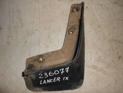 Брызговик передний правый [MR533434] для Mitsubishi Lancer IX