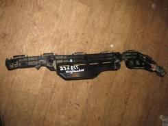 Кронштейн заднего бампера правый [521550E070] для Toyota Highlander U50