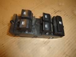 Блок управления стеклоподъемниками [935713Z000] для Hyundai i40