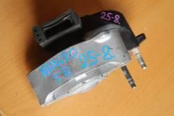 Подушка двигателя правая Toyota Prius NHW20, 1Nzfxe 12305-21190