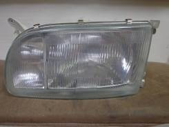 Продам левую фару на Toyota Hiace 93-96г.