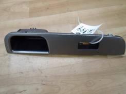 Накладка на кнопку стеклоподъемника Nissan Tiida 2008 (Накладка (кузов внутри)) [80960EL11A]