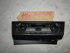 Блок управления климатической установкой Audi A4 B8 2007-2015 (Блок управления климатической установкой) [8T1820043AC]