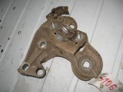 Кронштейн опоры двигателя правый Audi A4 B5 (Кронштейн опоры двигателя) [4b0199352b]