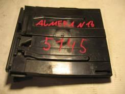 Подстаканник для Nissan Almera N16 2000-2006 (Подстаканник) [68430BM400]
