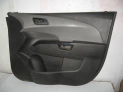 Обшивка двери передней правой Chevrolet Aveo T300 (Обшивка двери передней правой)