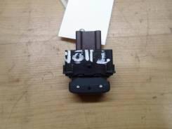 Кнопка обогрева сидений Nissan Tiida 2008 (Кнопка обогрева сидений) [255009N01A]